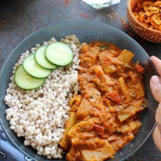 sorakaya pulusu served with barley and masala peanuts