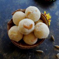 rava ladoo with coconut