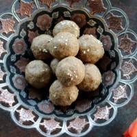 sesame seeds jaggery ladoo