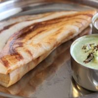 plain dosa served with coconut chutney