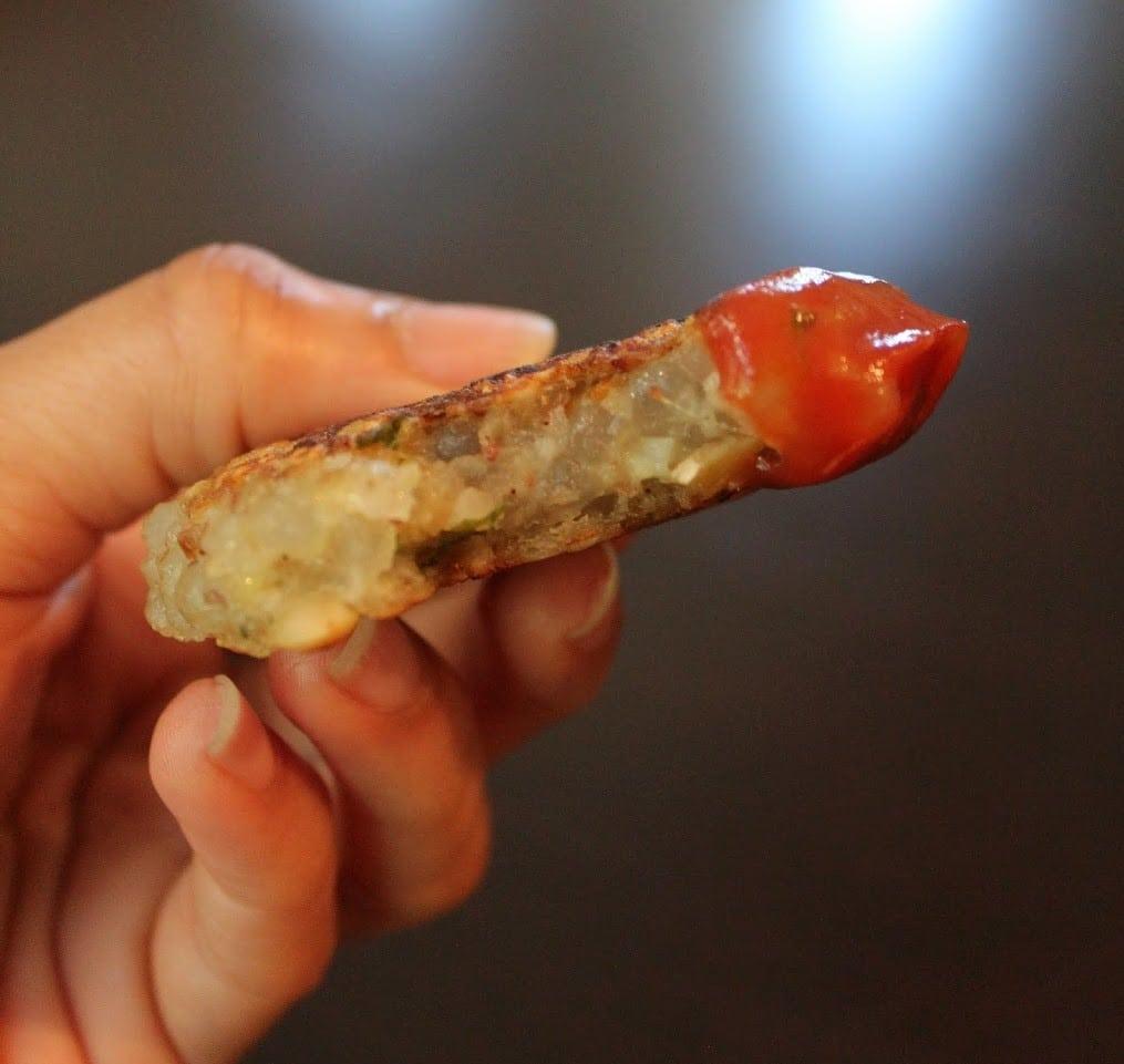 sabudana cutlet served with ketchup