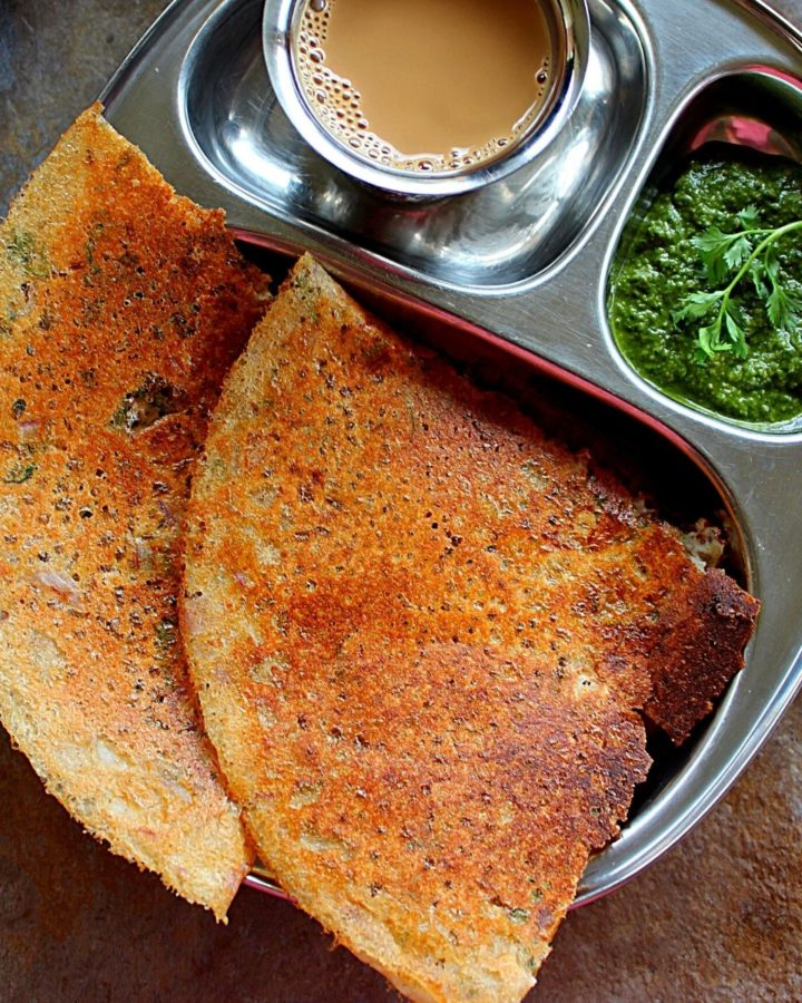 2 crispy instant jowar dosa served with chutney and coffee